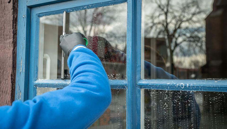 ניקוי חלונות אחרי שיפוץ | מבריק החלונות | ניקוי חלונות מקצועי